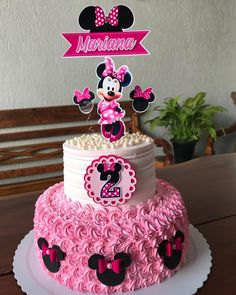 95 cute photos + step by step for a funny festa Minie Mouse Party, Minnie Mouse Party Decorations, Minnie Mouse Theme Party, Minnie Mouse Birthday Cakes, Minnie Cake, Happy Birthday Cake Topper, Cupcakes Mickey, Girl Birthday Themes, Baby Girl First Birthday