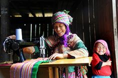 souls-of-my-shoes:    (via Mother and child - Flower Hmong - Vietnam   Flickr - Photo Sharing!)