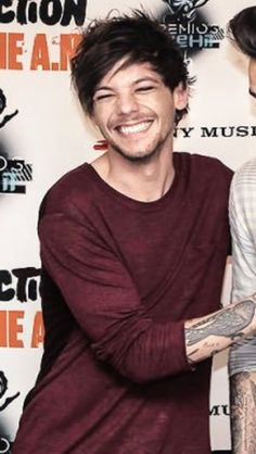 I love it when Louis smiles