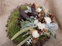 Dušičkový věneček Christmas Advent Wreath, Funeral Flowers, Cemetery, Wreaths, Table Decorations, Floral, Xmas, Decorating Ideas, Flowers
