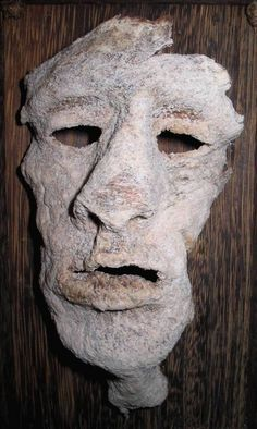 Gein, artist's tribute. Being made of real flesh, this one is just creepy! Even for me!!!