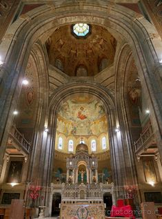 Milan (Italy): Presbytery of the Basilica of the Corpus Domini