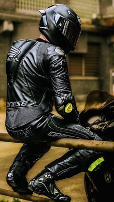 Motorcycle Wear, Motorcycle Leather, Piercing, Latex Men, Bike Leathers, Bike Photoshoot, Biker Boys, Biker Gear, Bike Style