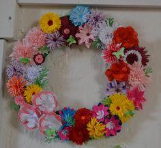 Květinový věneček -tvoření z papíru