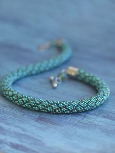Bead crochet necklace Snake skin print jewelry Snake pattern choker Teal green neckpiece Колье из бисера Змеиная кожа Змеиный принт