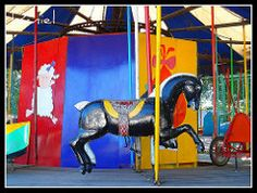 Calesita (El Turco de Bragado) Tags: city people horse game argentina colors childhood america de child pueblo joy july 9 ciudad carousel nios colores julio latin alegria latina merry juego provincia infancia province tio vivo calesita caballito carrusel