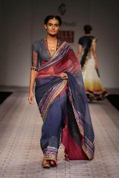 Anju Modi. WLFW S/S 11'. Indian Couture.