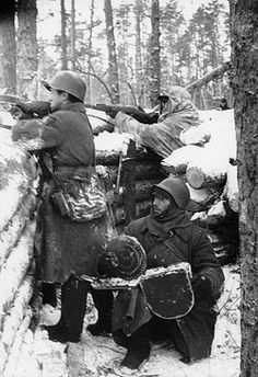 Soviet-finnish war, 1939-1940, red army soldiers in a trench on the karelian isthmus, december 1939. Pin by Paolo Marzioli