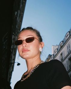 image to close this window Bella Hadid, Pretty People, Beautiful People, Phresh Out The Runway, Gigi Hadid Outfits, Celebs, Celebrities, Fashion Pictures, California