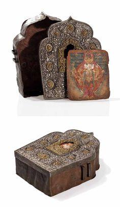 Tibet | Amulet box ~ ga'u ~ copper, bronze and metal.  Insert is an image of Buddha Avalokiteshvara with Tibetan inscription on the back | ca. 1900 | 275€ ~ Sold (Aug '15)
