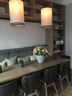 Coin séjour avec rangements sous banquette #kitchendesign