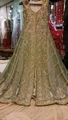 Inbox for Details or Order, Whatsapp/Call = 301 4283040 Colour = Can be Customize Delivery = All Over the World Pakistani Bridal Dresses Online, Pakistani Formal Dresses, Pakistani Wedding Outfits, Pakistani Bridal Wear, Wedding Dresses For Girls, Pakistani Dress Design, Bridal Outfits, Walima Dress, Shadi Dresses