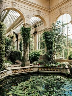 Schloss Ashby Orangerie - Wintergarten Ideen - Amenagement Jardin Recup - Trend Decor For Coffee Tables 2019 Winter Balkon, Orangery Conservatory, Conservatory Ideas, Balcony Ideas, Design Jardin, Winter Garden, Abandoned Places, Abandoned Houses, Future House