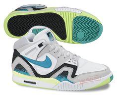 Imagen de http://cdn.solecollector.com/media/up/2013/10/images/Nike-Air-Tech-Challenge-II-White-Blue-Lime-01.jpg.