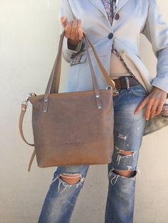 Handmade natural leather bags by Lara Klass on every day BIG SALE! Valid until November Buying a bags on the value of Coupon-discount ~~ Ready to ship ~~ Bag Made with great care and love of Italian leather Been d… ➡️ Tote Bags Handmade, Leather Bags Handmade, Nude Bags, Crossbody Shoulder Bag, Crossbody Bag, Everyday Bag, Medium Bags, Zipper Bags, Natural Leather