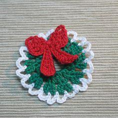 Little Crocheted Christmas Wreath ... pattern