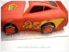 Don't think I can do this, but directions on making a Lightening McQueen Cake! Lightening Mcqueen Birthday Cake, Lightning Mcqueen Cake, Disney Cars Cake, Disney Pixar Cars, Dexter Cake, Race Car Party, Fondant Cupcakes, Cake Decorating Tutorials, Cakes For Boys