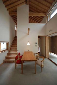 東広瀬の家: 神谷建築スタジオが手掛けたダイニングです。