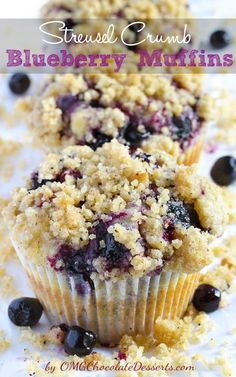 Blueberry Muffins With Streusel Crumb - perfect with a hot cup of coffee! @omgchocodessets