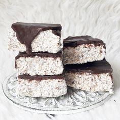 Blok kokosowy – Tetiisheri Healthy Sweets, Healthy Eating, Kinds Of Desserts, Polish Recipes, Polish Food, Vegan Gluten Free, Food Porn, Food And Drink, Coconut