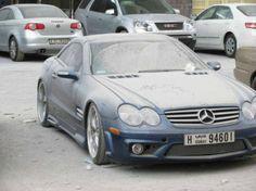 Autos de lujo abandonados en Dubai: Mercedes Benz SLK 500