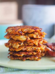 Sweet Potato and Bacon Fritters - Cooking for Busy Mums Sweet Potato Fritters, Crispy Sweet Potato, Sweet Potato Recipes, Bacon Recipes, Vegetarian Recipes, Healthy Recipes, Savoury Recipes, Curry Recipes, Muffin Recipes