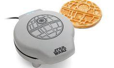 Google+ Novo objeto de desejo: a máquina de waffle Star Wars. glo.bo/1MBCEFC