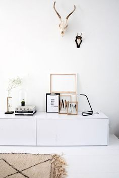 recently featured on interior junkie, this is the beautiful home of fleur holl, an interior stylist and DIY blogger for interior junkie and her boyfriend nick. they've recently renovated this 1930's d