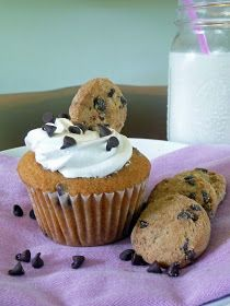 Life Tastes Good: Chocolate Chip Cookie Cupcakes