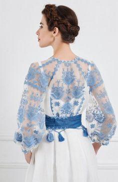 17 Ideas wedding blue white dress beautiful for 2019 Blue Wedding Dresses, Blue Dresses, Girls Dresses, Wedding Blue, Look Fashion, Fashion Details, Womens Fashion, Fashion Design, Mode Chic