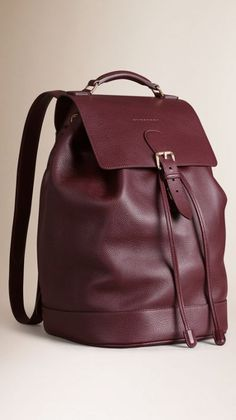 Shop men's bags from Burberry, a runway-inspired collection featuring briefcases and backpacks, as well as crossbody and tote bags for men. Backpack Bags, Leather Backpack, Mens Casual Leather Shoes, Leather Bags Handmade, Cute Bags, Beautiful Bags, Fashion Bags, Purses And Bags, Shopping Bag