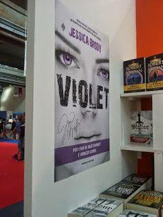 Libri di cristallo: Giveaway: 'Violet' di Jessica Brody, autografato