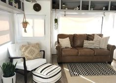 28 Elegant Rv Remodels Ideas On A Budget. Here are the Rv Remodels Ideas On A Budget. This post about Rv Remodels Ideas On A Budget was posted under the category by our team at January 7 2019 at pm. Hope you enjoy it and dont forget . Rv Living, Tiny Living, Living Spaces, Living Rooms, Outdoor Living, Rv Interior, Interior Design, Pimp My Caravan, Decorating Your Rv