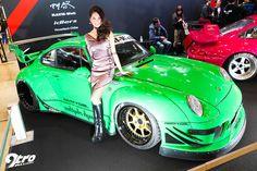 2015年東京オートサロン What is a tuning show without models, race queens, and Rauh-Welt Begriff RWB Porsches?