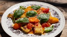 Gnocchi med fylt paprika og rå tomatsaus Gnocchi, Ricotta, Mozzarella, Nom Nom, Pork, Cooking Recipes, Chicken, Dinner, Eat