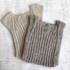 strickmuster-babyweste-strickmuster-baby-weste-modeles-de-tricot-gilet/ - The world's most private search engine Baby Cardigan, Baby Boy Vest, Knit Baby Dress, Baby Pullover, Knitted Romper, Baby Knitting Free, Baby Boy Knitting Patterns, Knitting For Kids, Knitting Designs