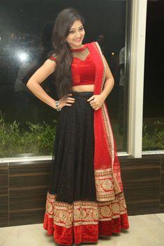 Half Saree Lehenga, Net Lehenga, Indian Tv Actress, Indian Actresses, Beauty Full Girl, Beauty Women, Kurti Sleeves Design, Actress Priyanka, Indian Designer Wear