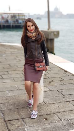 Stiletto and Red Lips - stilettoandredlips Venice Italy, Red Lips, Leather Skirt, Skirts, Travel, Style, Fashion, Swag, Moda