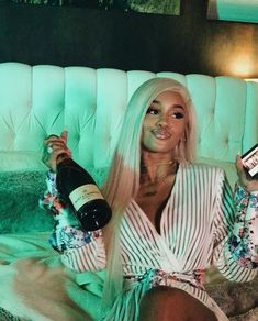 Hair Care Tips That You Shouldn't Pass Up. If you don't like your hair, you are not alone. Saweetie Icy Grl, Icy Girl, Boujee Aesthetic, Black Girl Aesthetic, Fille Gangsta, Estilo Hip Hop, Thug Girl, Gangster Girl, Bad And Boujee