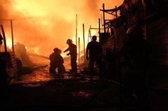 Bomberos Voluntarios en Incendio Jr. Parinacochas, La Victoria, Lima - Perú Fecha: 23/07/2012