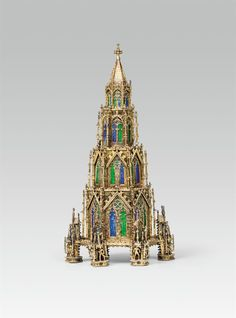 More top prices were achieved by a reliquary from the collection of Baron James de Rothschild, which went up to 51.200 € (HP 40.000 €). Baron, Empire State Building, Auction, Design Ideas, Summer, Top, Collection, Summer Time, Crop Shirt