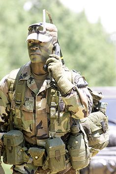 Ranger on Patrol Military Gear, Military Life, Military History, Airborne Ranger, Us Army Rangers, 75th Ranger Regiment, Military Special Forces, Naval, Special Ops