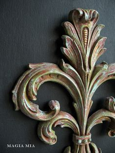 Magia Mia: Chalk Paint Magic On Plastic Sconces ... Episode 2