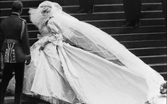 See 14 Rare Candid Pictures from Princess Diana and Prince Charles' Wedding Day   Parade