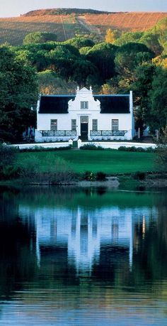 D - Cape-Dutch style. A great combination of good wine and beautiful architecture at Zevenwacht Wine Estate, South Africa The Places Youll Go, Places To Go, Holland, Les Seychelles, South African Wine, Cape Dutch, Dutch House, Namibia, Le Cap