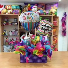 Bonnie Christine shares her tutorial for Christmas 'chalkboard' gift wrap, along with her preferred supplies to use! Birthday Gift Cards, Birthday Candy, Birthday Box, Birthday Balloons, Birthday Parties, Birthday Bouquet, Balloon Box, Balloon Bouquet, Candy Bar Bouquet