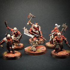 Age of Sigmar | Khorne Bloodbound | Slaughtepriest and Bloodreavers by #hyperboreacrafts #warhammer #ageofsigmar #aos #sigmar #wh #whfb #gw #gamesworkshop #wellofeternity #miniatures #wargaming #hobby #fantasy