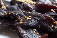10 Beef and Venison Jerky Recipes So Good, Grandaddy Would Be Proud Everyone has the same two tried and true beef and venison jerky recipes - it's time to shake things up with Cayenne Habanero and Spicy Teriyaki. Beef Jerky Marinade, Venison Jerky Recipe, Homemade Beef Jerky, Jerky Recipes, Venison Recipes, Game Recipes, Smoker Recipes, Recipies, Amigurumi