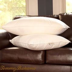 @Overstock - Add quality and comfort to your bedding ensemble with this queen-size, cotton pillow set. Made with a down-alternative poly fill, this two-piece set features a Cambric cotton cover with a 269-thread count and a knife edge with blue piping.http://www.overstock.com/Bedding-Bath/Tommy-Bahama-Ultimate-Down-Alternative-Queen-size-Pillows-Set-of-2/6337902/product.html?CID=214117 $34.99