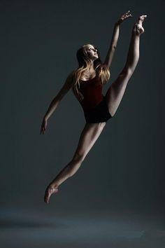 #splits Her feet are so beautiful.